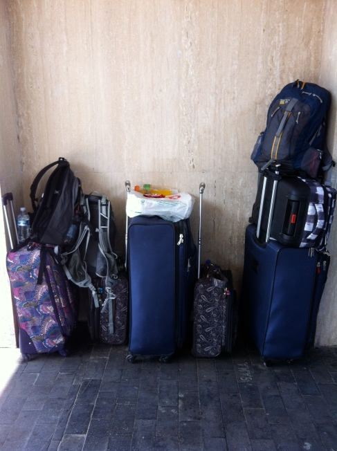 Packing light: luggage for a long trip, www.theeducationaltourist.com