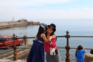 The Educational Tourist getting kiss from girl on Amalfi Coast, travel guides for kids, www.theeducationaltourist.com